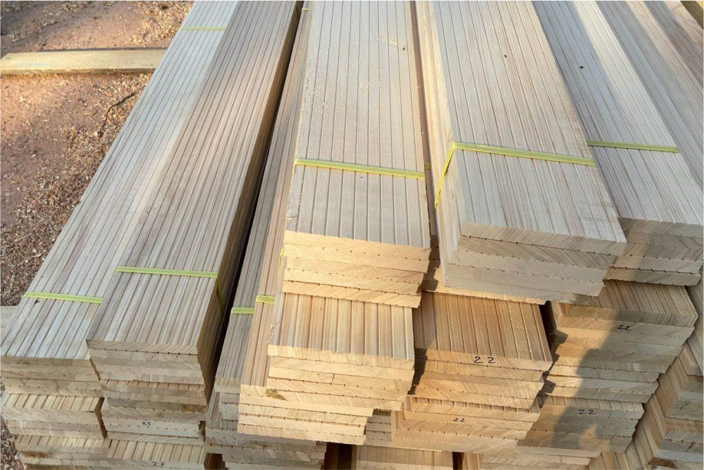 gỗ Bạch Tùng làm nhà yến
